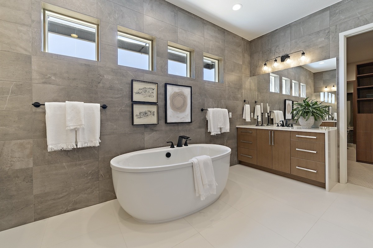 Infinity Homes Master Bathroom Bath